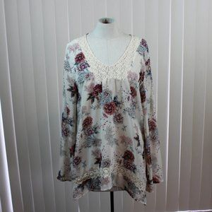 About a Girl Floral V Neck Top with Lace Details